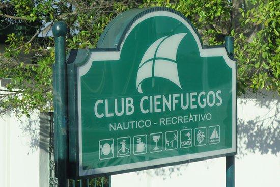 Punta Gorda: Club Cienfuegos