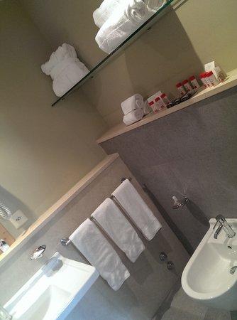 Hotel Schloss Pontresina Family & Spa: ванная комната