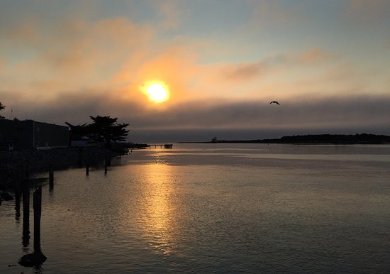 Bandon Inn: Sunset at the Bandon Waterfront