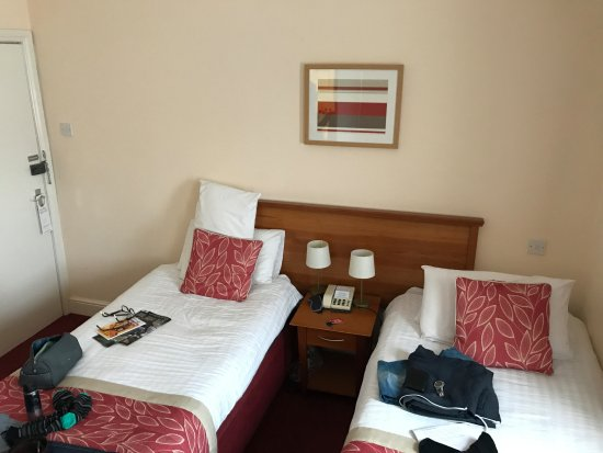 The Chesterhouse Hotel: small room