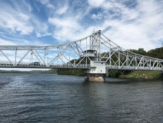 Έσεξ, Κονέκτικατ: Rotating Bridge on CT River