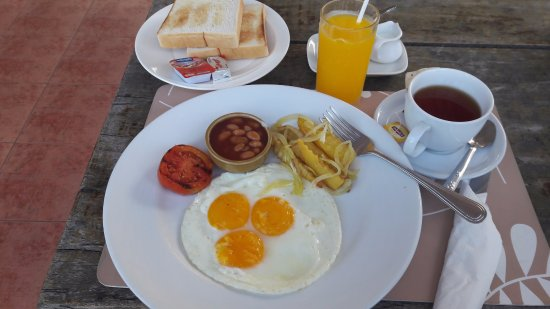 Basaya Beach Hotel & Resort: Budget breakfast , delicious