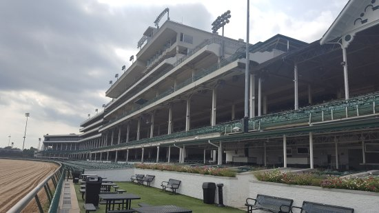 Churchill Downs: 20170903_155848_large.jpg
