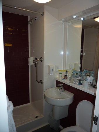 amazing all in one bathroom unit picture of travelodge eastleigh rh tripadvisor co uk all in