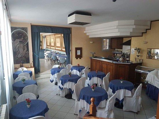 Hotel Nella: Sala colazione
