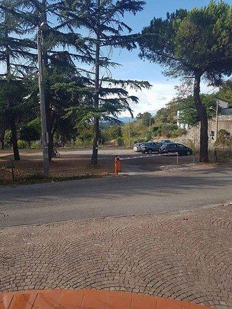 Hotel Nella: Parcheggio