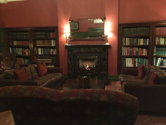 The Killarney Park Hotel: Killarney Park library