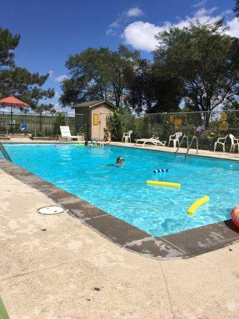 Gretna, NE: Pool