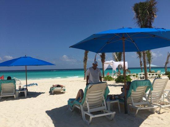 Staff member taking drink orders picture of live aqua beach resort cancun cancun tripadvisor for How many rooms at live aqua cancun