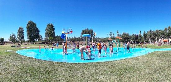 Mundo del agua piscinas valencia de don juan spanien for Piscinas leon valencia don juan
