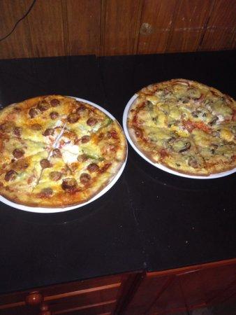 Saint Louis, Гваделупа: Pizza Del Sol Restaurant Les Pieds Dans L'eau