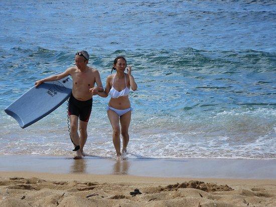 Hawaii Convertible Tours: ノーショアの浜辺で泳ぐ3
