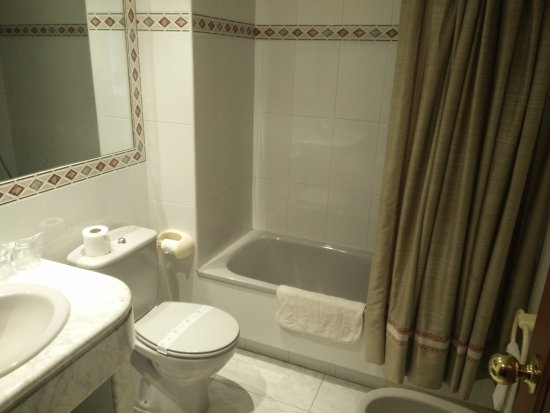 Hotel Cervantes: IMG_20170902_184255_large.jpg