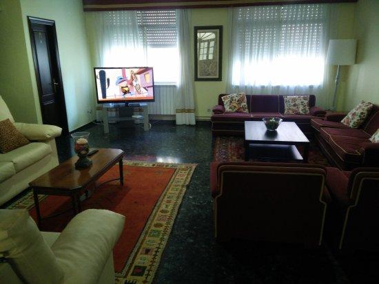 Hotel Cervantes: IMG_20170902_185153_large.jpg