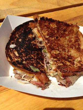 Fairlee, Βερμόντ: Beef brisket reuben. Good but pricey.