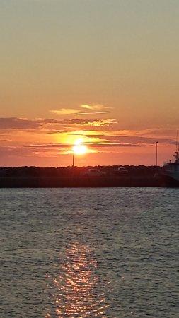 The Harbour Quarters Inn: sunset in Bonavista