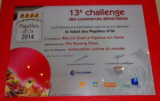 """Vigneux-sur-Seine, ฝรั่งเศส: label des """"Papilles d'Or"""" pour le cuisinier Hin Kwong Chan !"""
