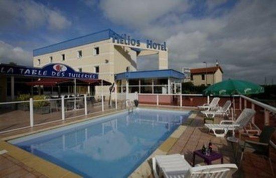 Inter Hotel Roanne Hélios : Pool