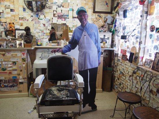 Angel & Vilma Delgadillo's Route 66 Gift Shop & Visitor's Center: エンジェルさん