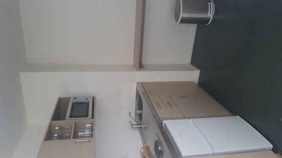 Waldorf Tetra Serviced Apartments: 20170826_141738_large.jpg