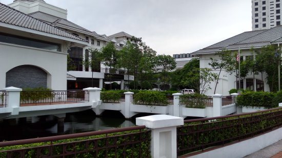 Hanoi Westlake Hotel Reviews