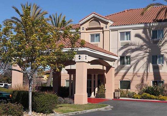 San Carlos, Califórnia: Exterior
