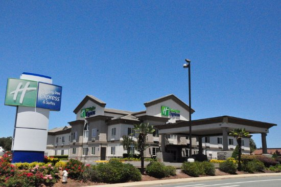 Holiday Inn Express Hotel & Suites Jackson: Hotel Exterior