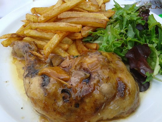 Hotel Beausejour: la sauce, les frites, le poulet........mummmmm