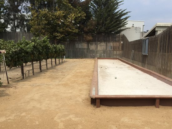 Greenfield, CA: The outdoor bocce ball court for those who are interested.