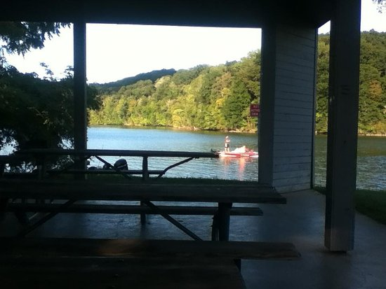 Warriors' Path State Park : Boating on lake