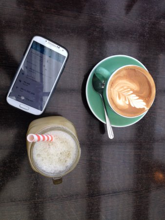 Abracadabra Cafe Bar: Our drinks