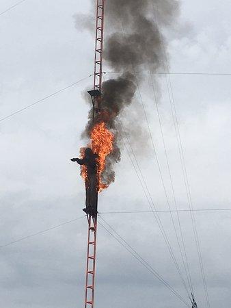 Les Avenieres, Frankreich: Plongeur enflammé (Spectacle)