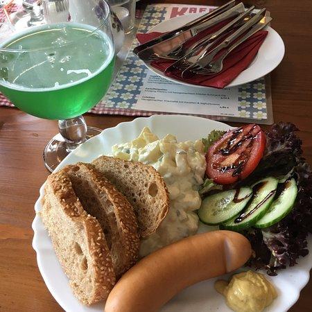 Angermunde, เยอรมนี: Bockwurst mit Berliner Weiße