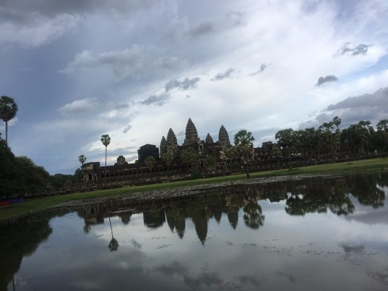 Affinity Angkor - Private Tours: Angkor Wot near sunset