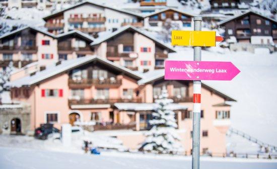 Falera, Switzerland: Aussenansicht Hotel Restaurant