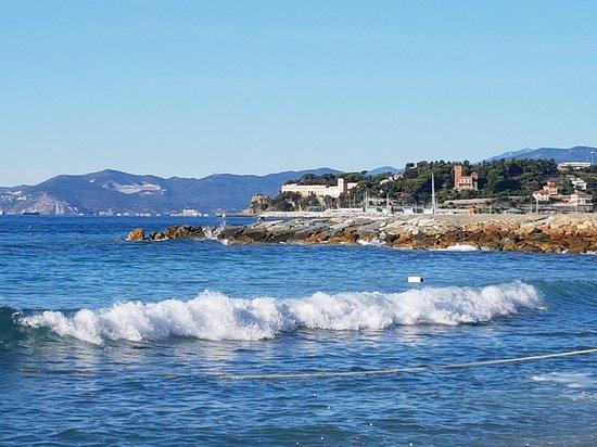 Bagni alla Mola Varazze: 20170903_090222_large.jpg