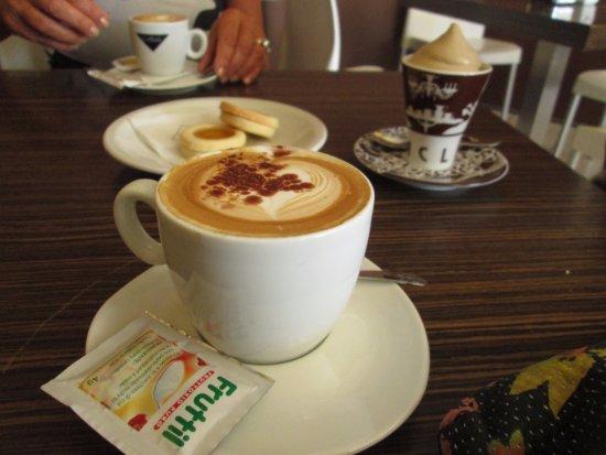 Province of Pisa, Italien: cappuccino