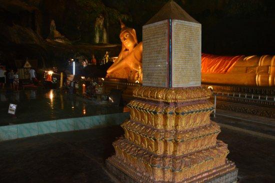 Takua Thung District, Thailand: Wat Suwan Kuha (Cave Temple)