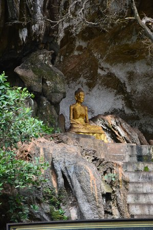Takua Thung District, Thailandia: Wat Suwan Kuha (Cave Temple)