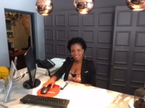 Majeka House: Small reception with a big smile