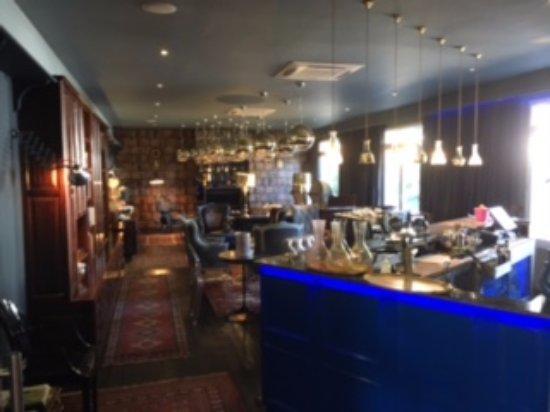 Majeka House: A great bar area