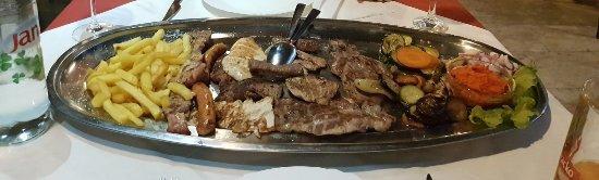 Stobrec, Κροατία: Fleischplatte für 2 Personen