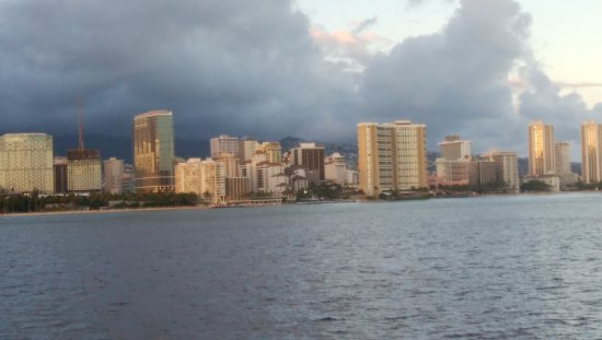 Star of Honolulu - Dinner and Whale Watch Cruises: ワイキキ