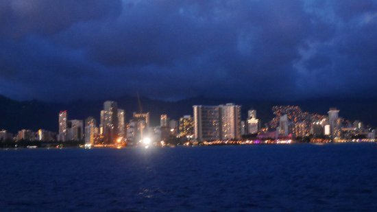 Star of Honolulu - Dinner and Whale Watch Cruises: ワイキキの夜景
