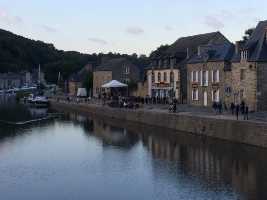 Mercure Dinan Port : Port Dinan in the evening