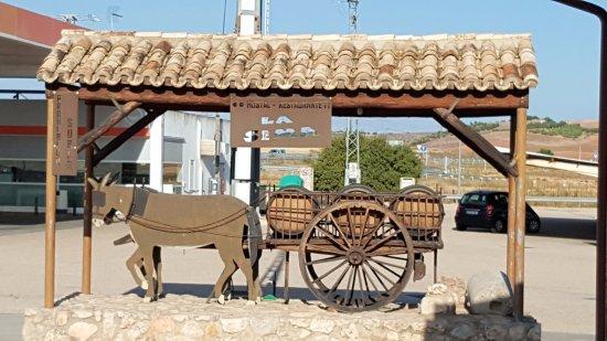 Castillo de Garcimunoz, Espagne : EL burrito, a la sombra manchega