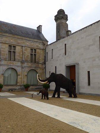 Le Grand-Pressigny, France : Une partie de l'extérieur