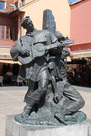 Statua Di Petrica Kerempuh Picture Of Statue Of Petrica Kerempuh