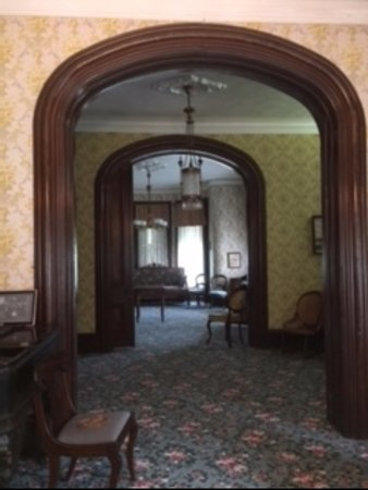 Bellevue, OH: Inside John Wright Mansion