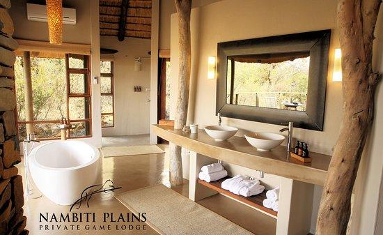 Balcony - Picture of Nambiti Plains Private Game Lodge, Ladysmith - Tripadvisor
